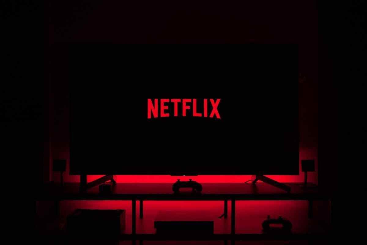 Så här ställer du in Netflix Party och tittar på Netflix med vänner