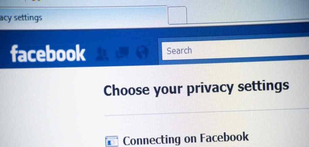 Hur man lägger till en äldre kontakt på Facebook