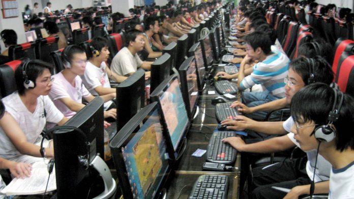 porslin internetcafé videospelberoende